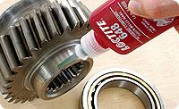 Loctite 648. Вал-втулочный фиксатор. Высокая прочность. Для зазоров по диаметру до 0.15 мм. Повышенная термостойкость. Быстрое отверждение